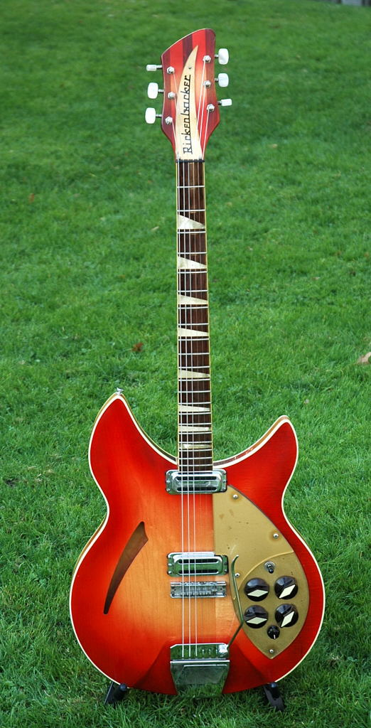 1958 Rickenbacker Capri 330 in Mapleglo